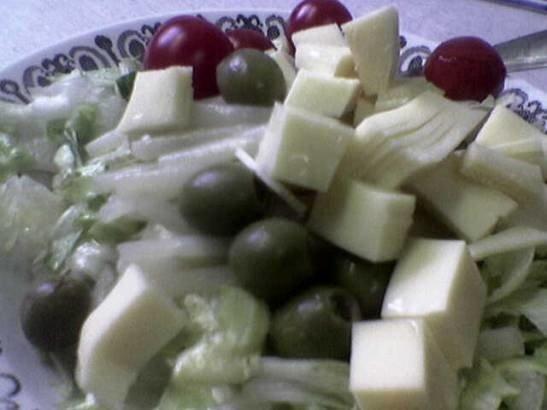 Juustosalaatti 1