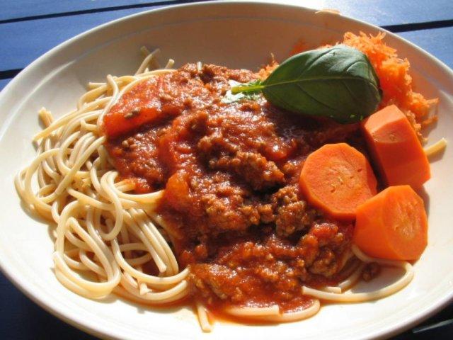 Tomaattinen jauhelihakastike