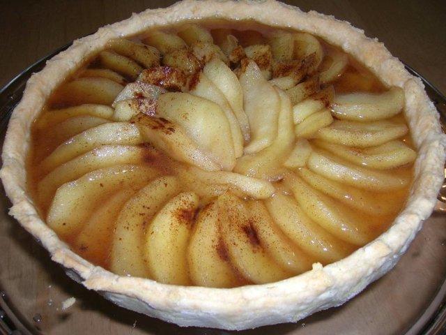 Liekitetty omena-calvadospiirakka 1