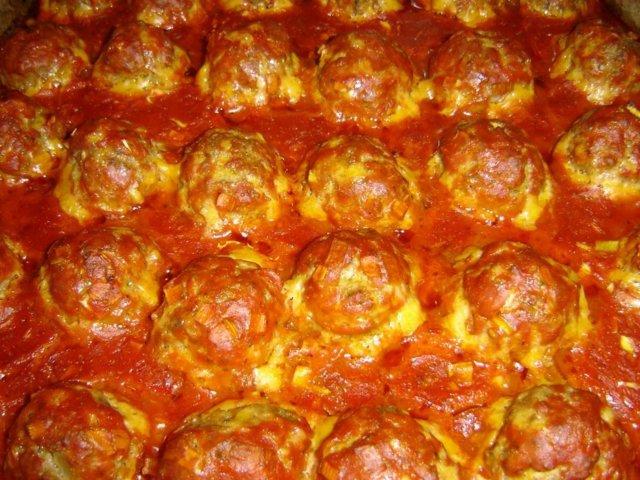 Uunilihapullat tomaattikastikkeessa 1