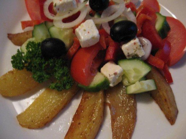 Kreikkalainen perunasalaatti