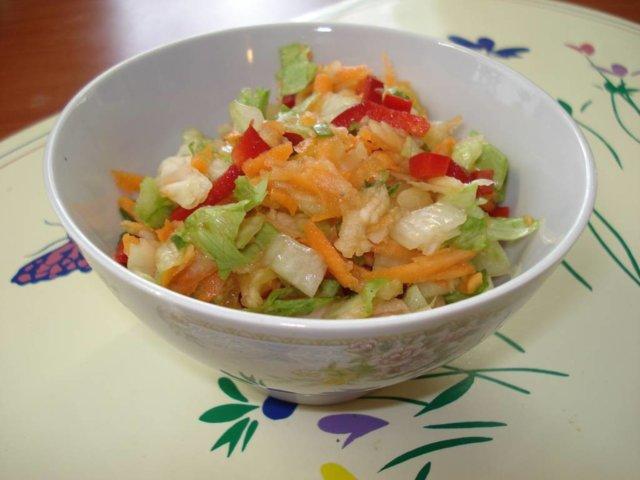 Hedelmäinen salaatti 1