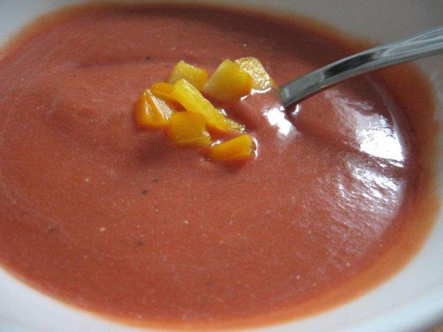 Tomaattikeitto 1
