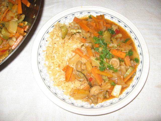 Reseptikuva: Hapanimeläkastike ja kasviswokki 1