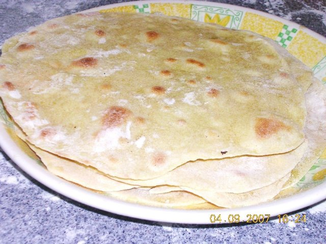 Tortilla taikina maissijauhoista