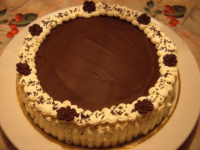 Reseptikuva: Unelmien suklaatäytekakku 1
