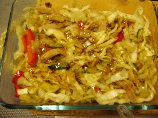 Metsänmakuinen kaali-soijasuikalelaatikko