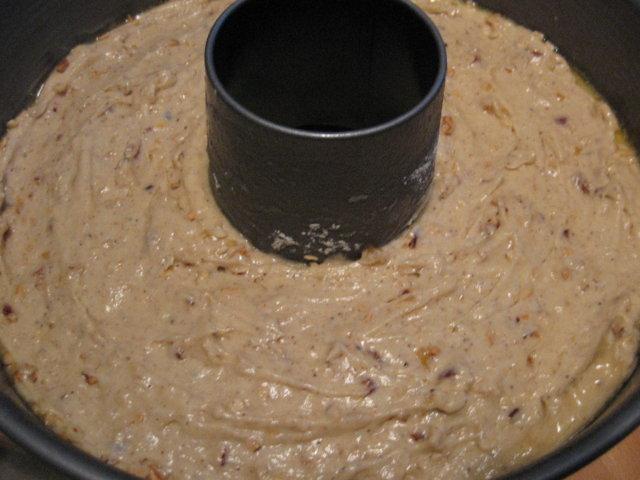 Pähkinäinen maustekakku
