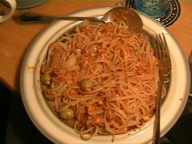 Reseptikuva: Tonnikalakastike spagetille 1