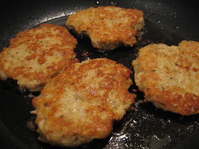 Kananpojan jauhelihapihvit 1