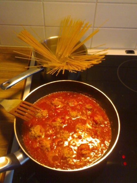 Lihapullat tomaattikastikkeessa 1
