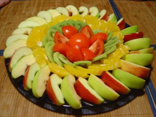Omenainen Salaatti