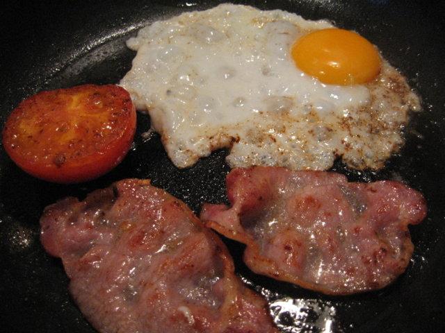 Reseptikuva: Amerikkalaisittain paistetut munat 1