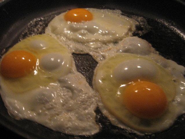 Reseptikuva: Amerikkalaisittain paistetut munat 2