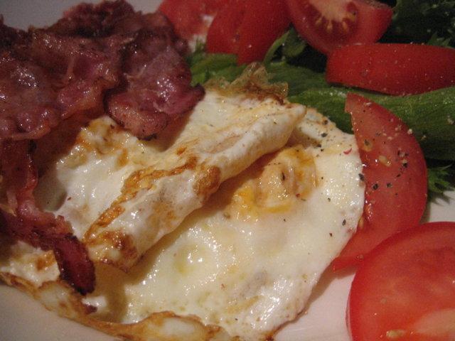 Reseptikuva: Amerikkalaisittain paistetut munat 3