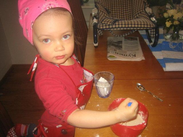 Lapsukaisen oma sämpylätaikina:))