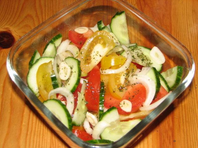 Reseptikuva: Tomaatti Salaatti 1