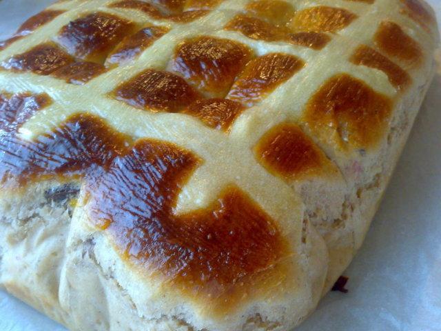 Pääsiäisleipätaikina leipäkoneessa 1