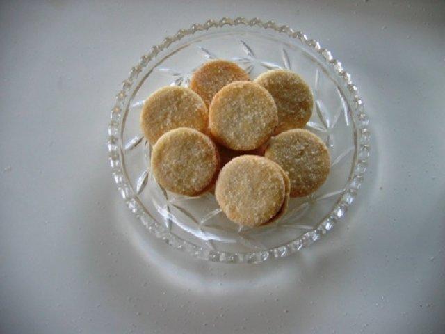 Herrasväen pikkuleivät  III