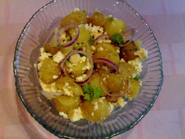 Reseptikuva: Feta-perunasalaatti 3
