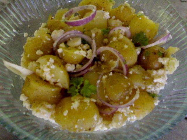 Reseptikuva: Feta-perunasalaatti 4