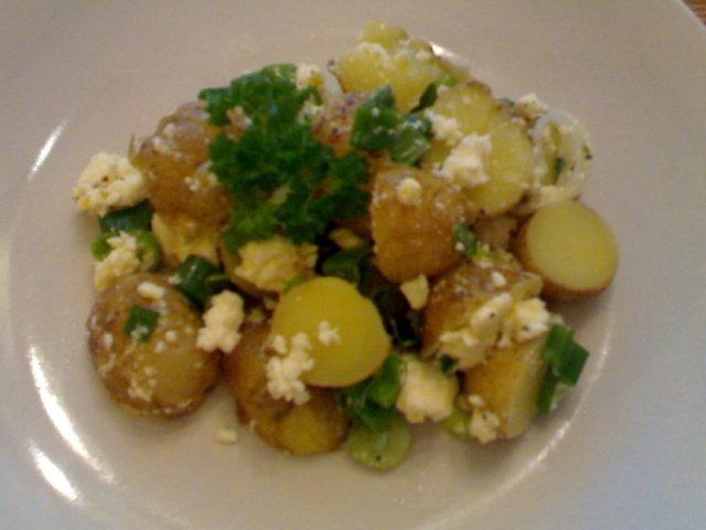 Reseptikuva: Feta-perunasalaatti 2