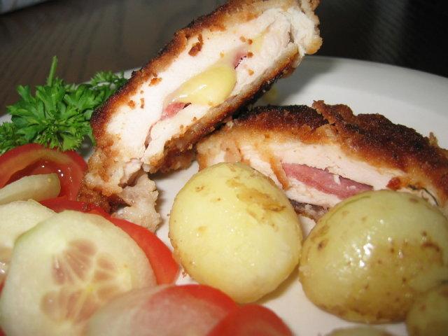 Reseptikuva: Broilerin rintafileet kinkku ja juustotäytteellä 1
