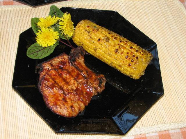 Grillattu Porsaankyljys ja Maissia 1