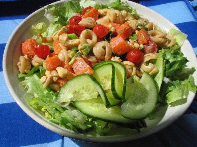 kana-pinjansiemen salaatti 2