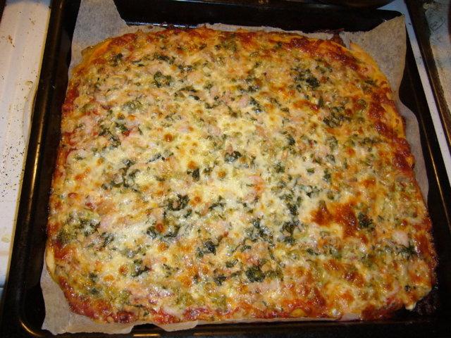 Tonnikala-katkarapupizza italialaisittain