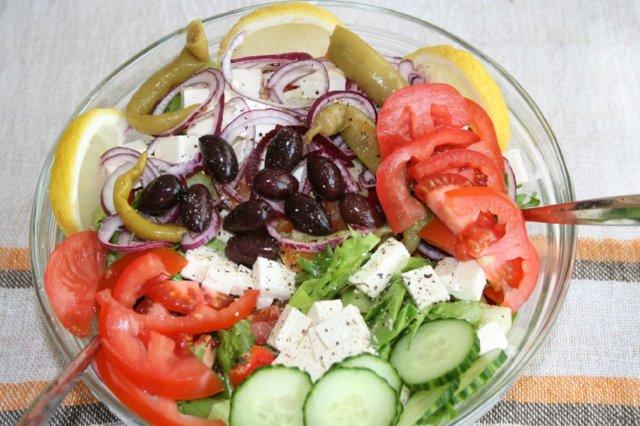 Turkkilainen Salaatti
