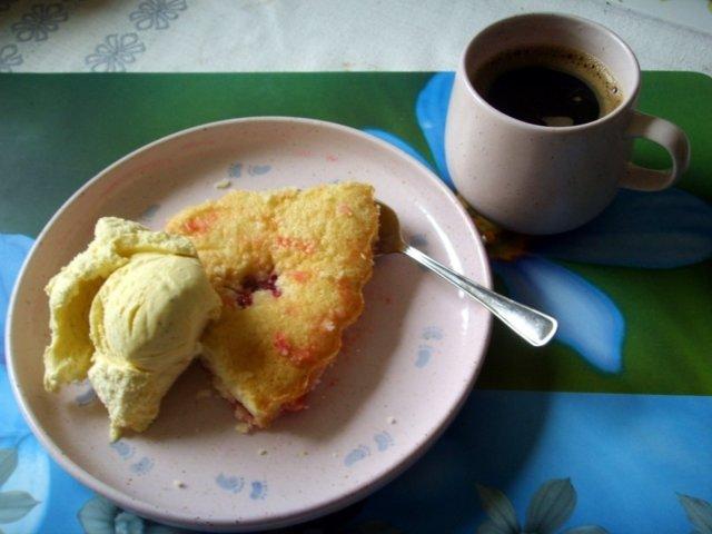 Gluteeniton pikapiirakka (makea)