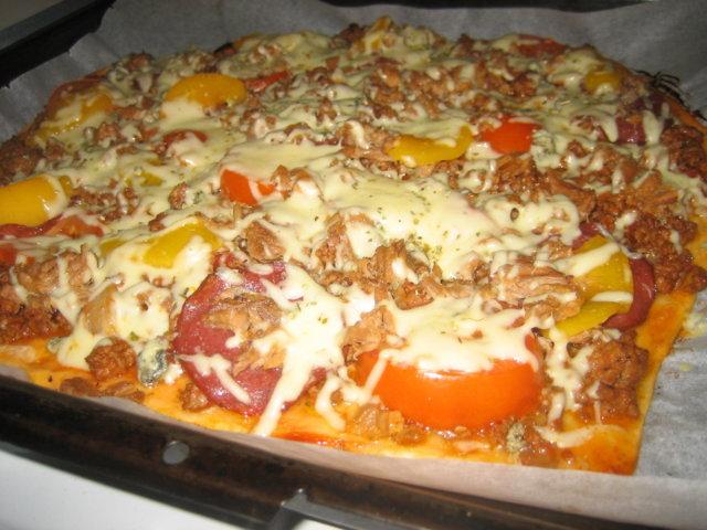 Pizza (2 pellillistä) 1