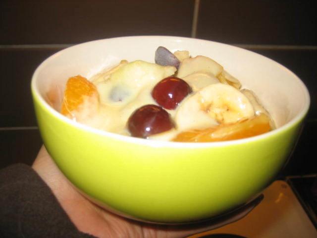 Hedelmäsalaatti & Vaniljakastike 1