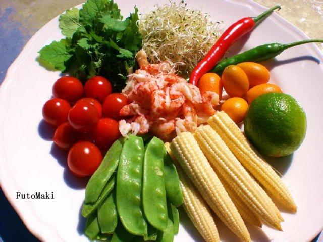 Reseptikuva: Kesäinen Thaisalaatti 2