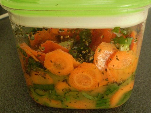 Marinoidut porkkanat (26.7.08) 3