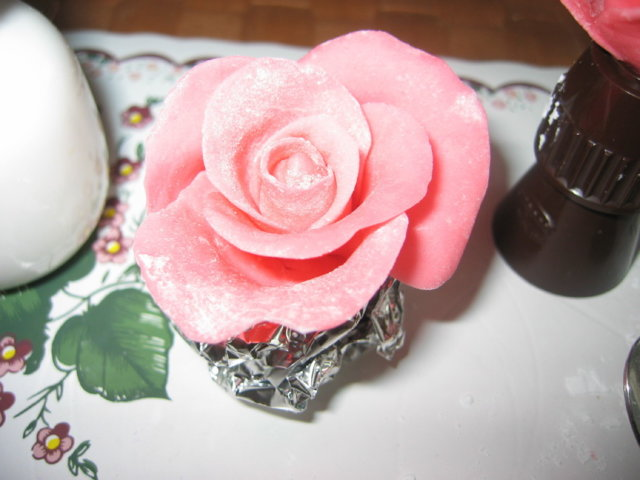 Vaahtokarkkimassa (koristeita ym. kakunpäälle) 5