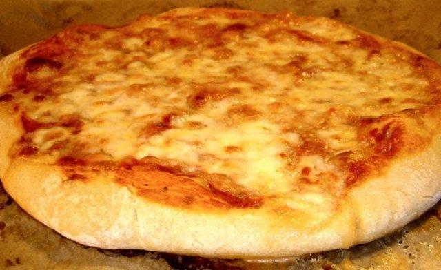 Pizza taikinajuurella 1