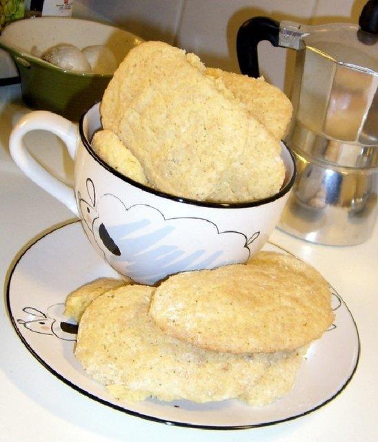 Pinjansiemen-manteli-keksit