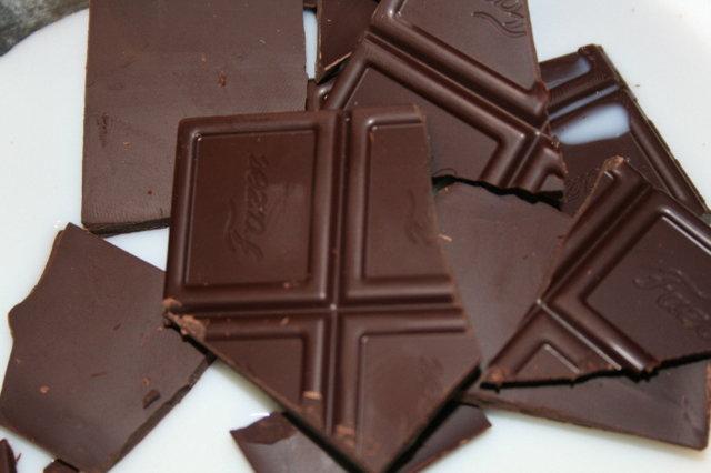 Vaahtokarkilla gratinoitu suklaajuoma 2
