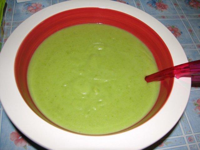Vihreä kasvissosekeitto