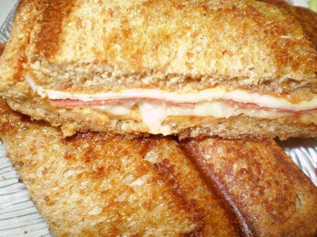 Reseptikuva: Lämppäriä leipägrillillä 3. ( Lihaleikkele) 1