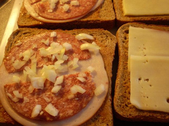 Reseptikuva: Lämppäriä leipägrillillä 3. ( Lihaleikkele) 2