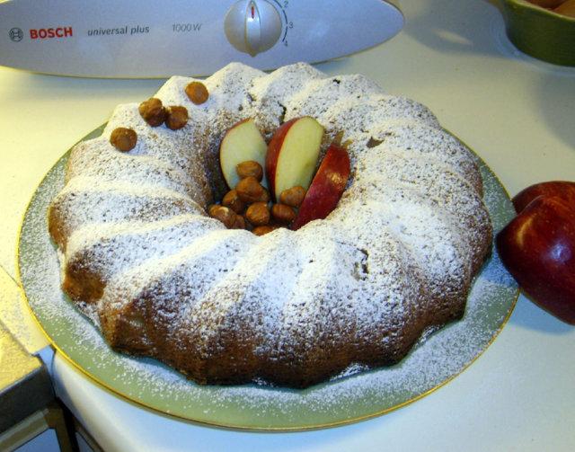 Omena-pähkinäkakku 1
