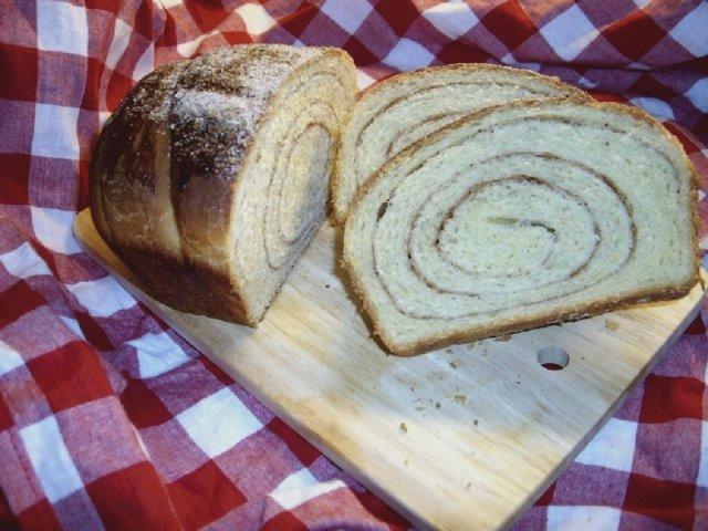 Kanelikierre-leipä