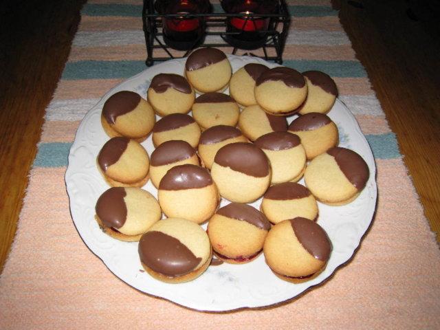 Suklaakuorrute Pikkuleivät 1