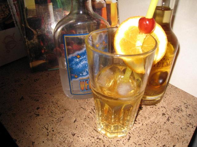Ampiainen Drinkki