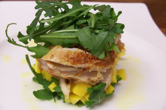 APPELSIINIKASTIKE salaatille 1