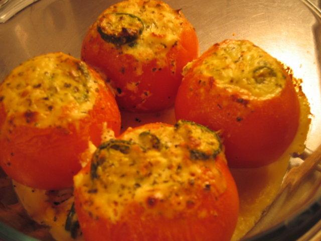 Täytetyt tomaatit 1