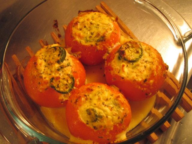 Täytetyt tomaatit 2